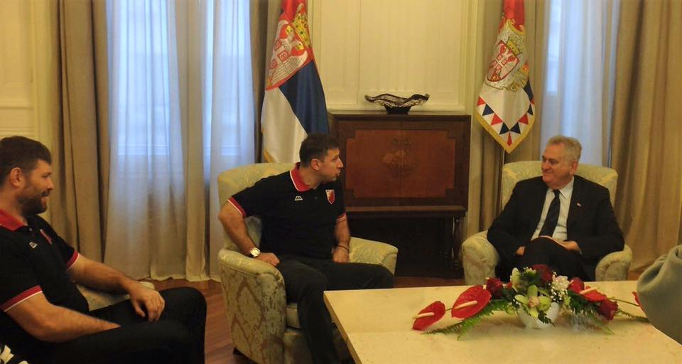 Predsednik Nikolić primio heroje